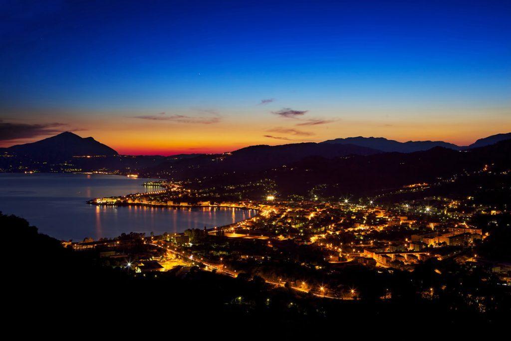 Sapri veduta di notte Sapri: un giro alla scoperta della città della Spigolatrice